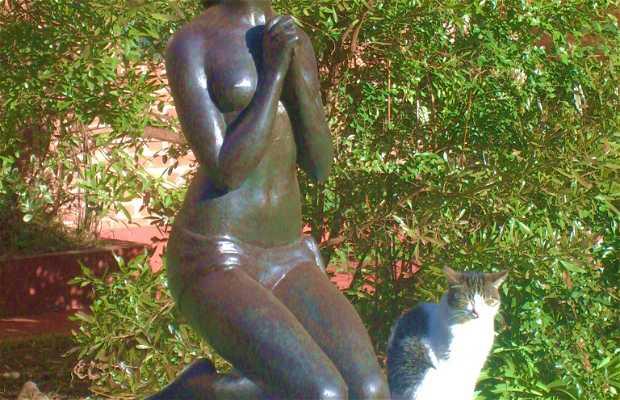 Statues, sculptures et étangs