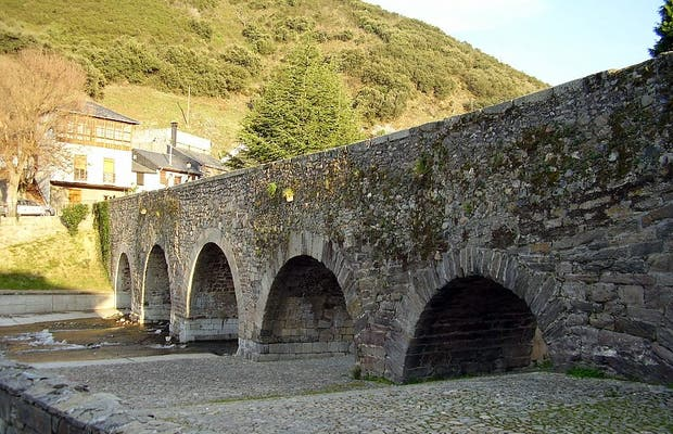 Puente Romano de Molinaseca
