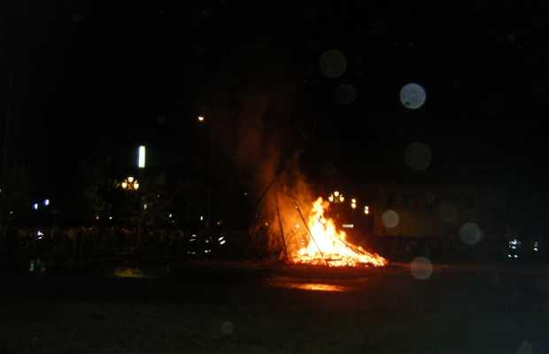 La Noche de San Juan : Fuegos y Hoguera