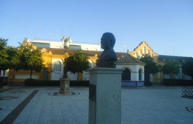 Busto de Juan Cervera