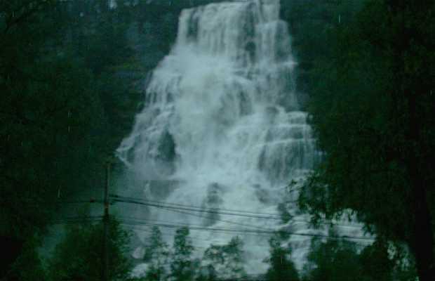 Cascada Tvindefossen