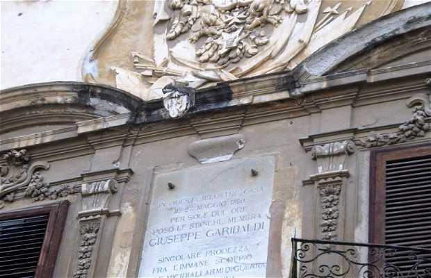 Plaza o Piazza Bologni