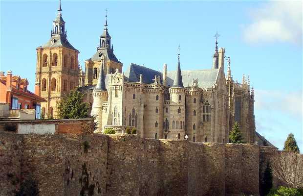 Medieval walls of Astorga