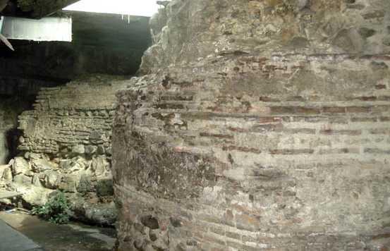 Restos Muro Portuario del Castillo de los Genovese