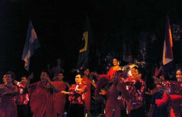 Espectáculo tricultural