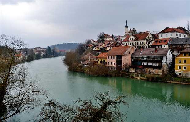 Il Breg di Novo Mesto dal Ponte Vecchio