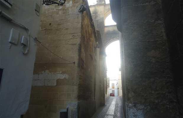 Las Monjas Alley