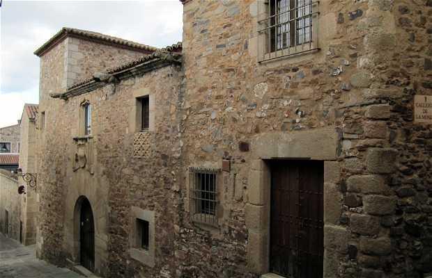 Biblioteca Zamora Vicente