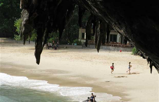 Cave of Phra Nang (Railay Beach)