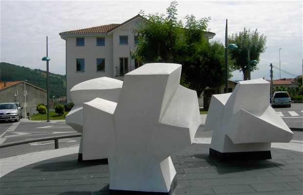 Escultura ayuntamiento de Noja