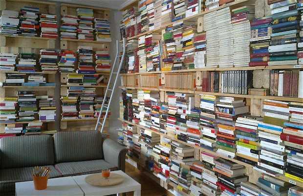 Tuuu Bookstore