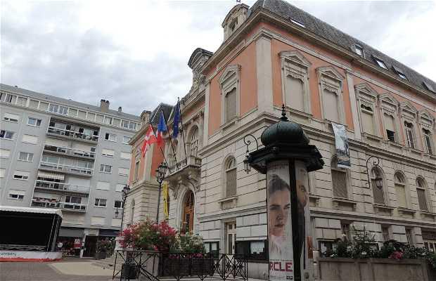 Plaza de l'Hôtel de Ville