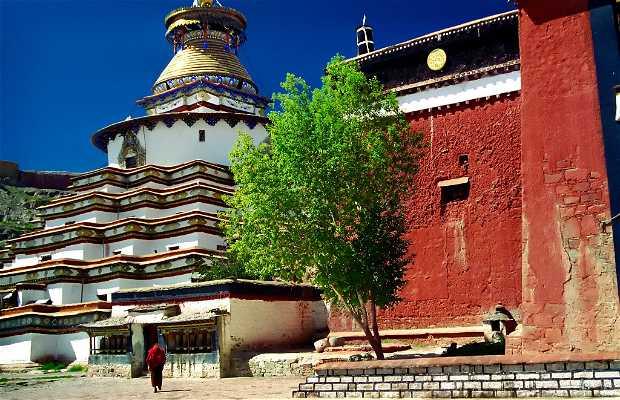 Monasterio de Kunbum