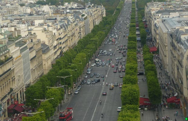 Les Champs Elysées