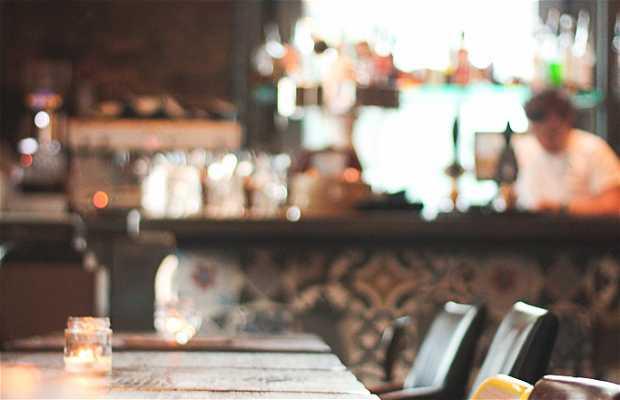 VIC Pub Kitchen & Social Club