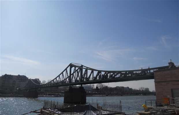 Ponte pedonale in ferro Eiserner steg