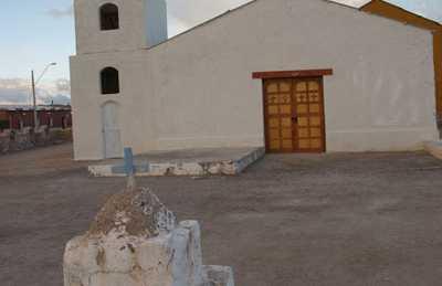 Eglise d'Ollague