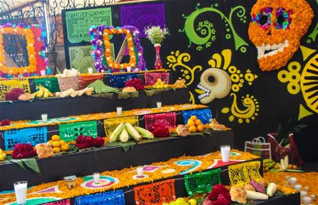 Altar de Muertos del lobby del Palacio de Gobierno