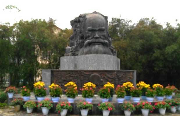 Parque Nguyen Dình Chieu
