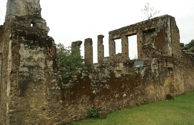 Ruínas do Antigo Povoado do Saco (Ruínas do Saco de Cima ou Ruínas Imperiais)