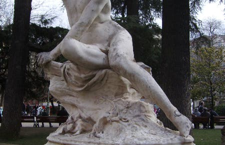 estatua en el parque de Gaulle