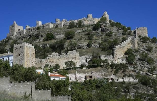 Castillo y recinto amurallado de Moclín