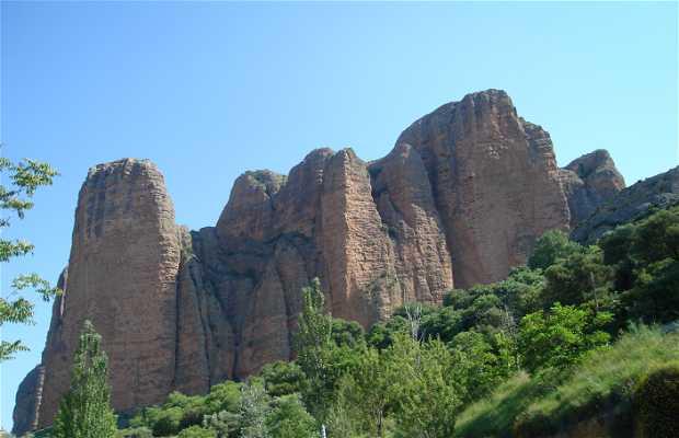 Bus touristique. Route 3: Reino de los Mallos: Aguero / Riglos / Ayerbe