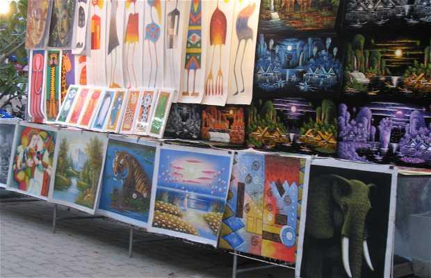 Puestos de artesania en Ao Phra Nang