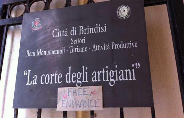 La corte degli Artigiani Brindisi