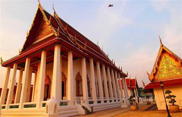 Templos Wat Thewarat Kunchorn Worawiharn