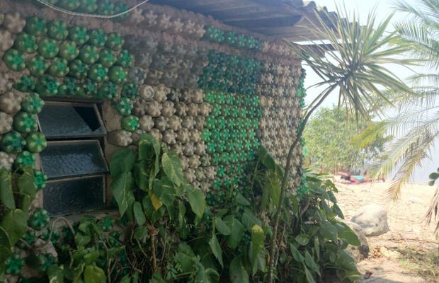 Ruta ecológica - Casa de botellas