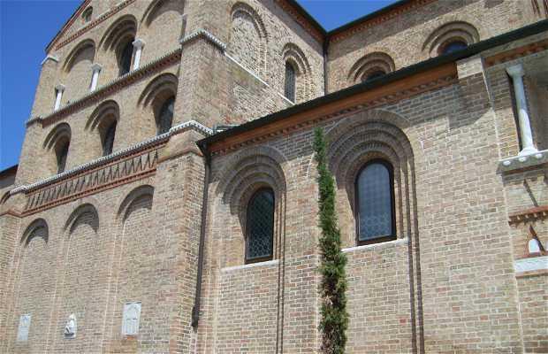 Basílica de Santos María y Donato