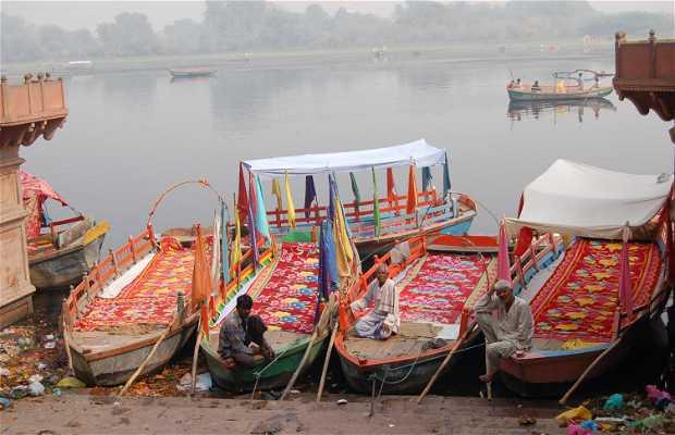 Paseo en barca por Mathura