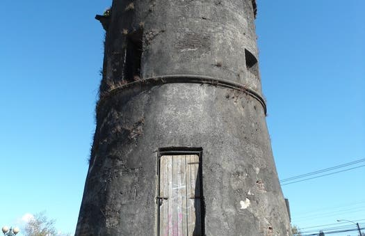 Toreones tower
