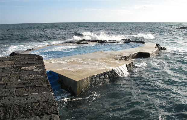 Piscinas naturales en Puerto Caloura