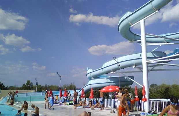 Isla leon en san andr s del rabanedo 7 opiniones y 9 fotos - Hoteles en leon con piscina ...