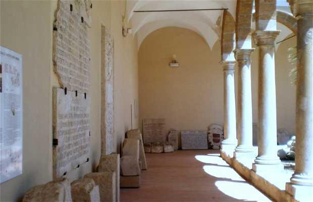 Chiostro Monastero Carmelitane Scalze