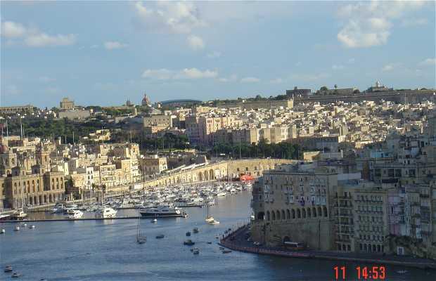The Three Cities Port