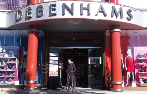 Debenhams shopping center (Avenida Arzobispo Makario II)
