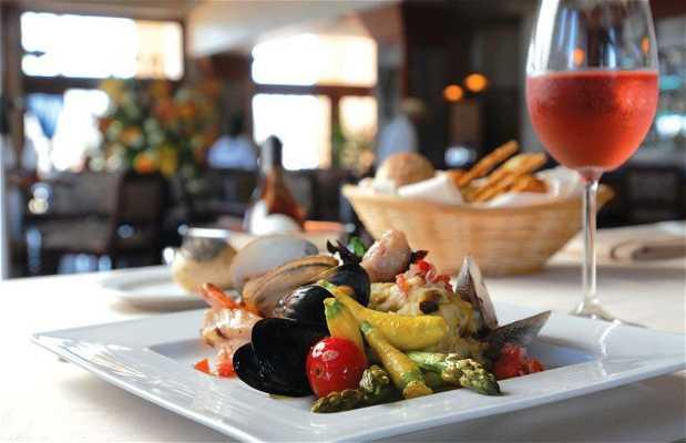 La Brasserie Bistro & Lounge
