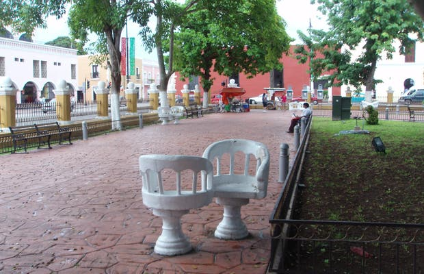 Francisco Cantón Square