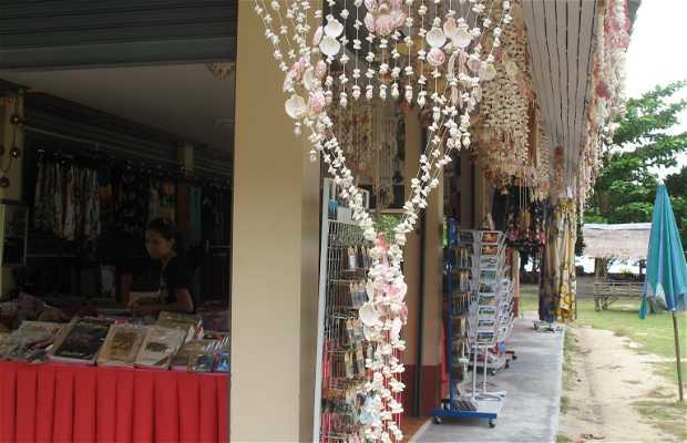 Tienda en la Bahia de Tonsai