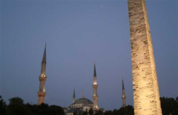 Obelisco di pietra a Istanbul