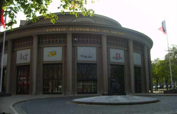 Iéna Palace
