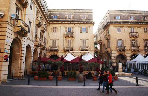 Plaza San Gwann