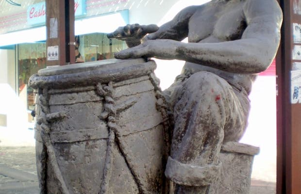 Statua di Vélo a Pointe-a-Pitre