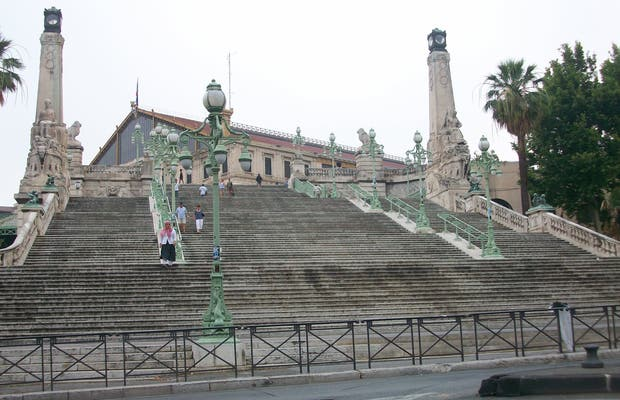 Les escaliers de la gare Saint Charles