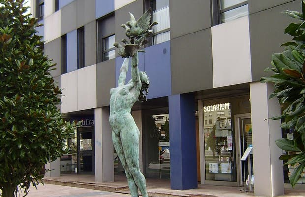 "Escultura ""Paz"""