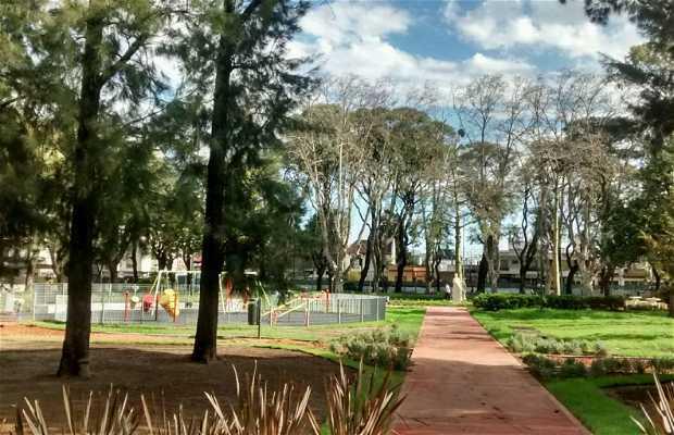 Plaza Leando N. Alem