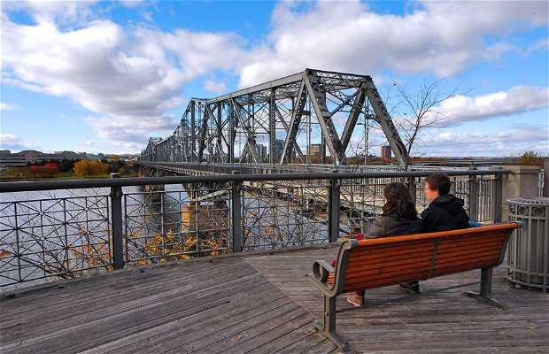 Ponte Alexandra